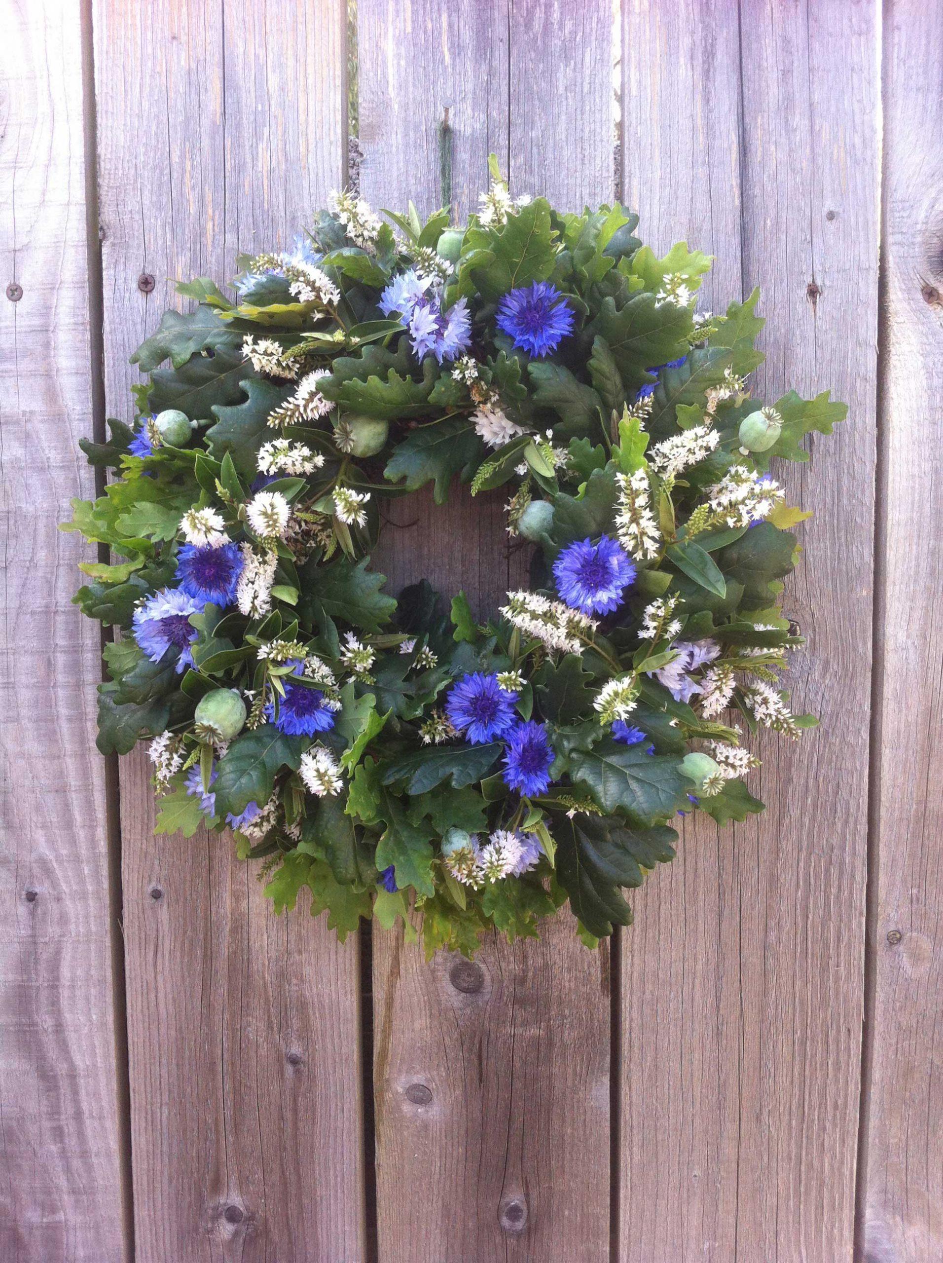 Summer wreath by Zanna from S P I N D L E in Dorset